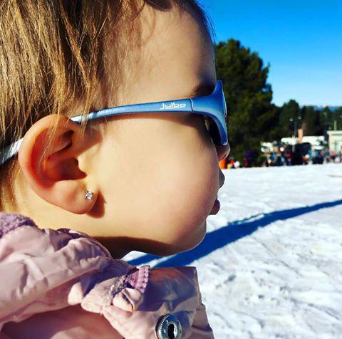 Aconseguir que els nens no es treguin les ulleres